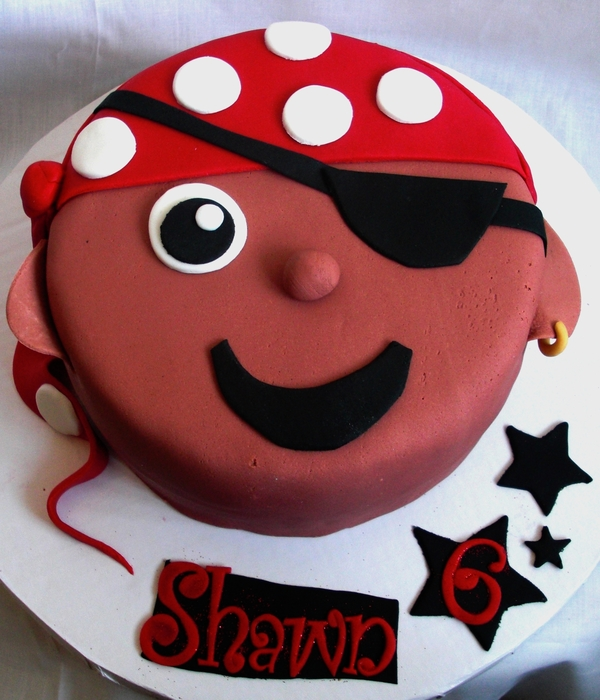 Lil Pirate Face Cake