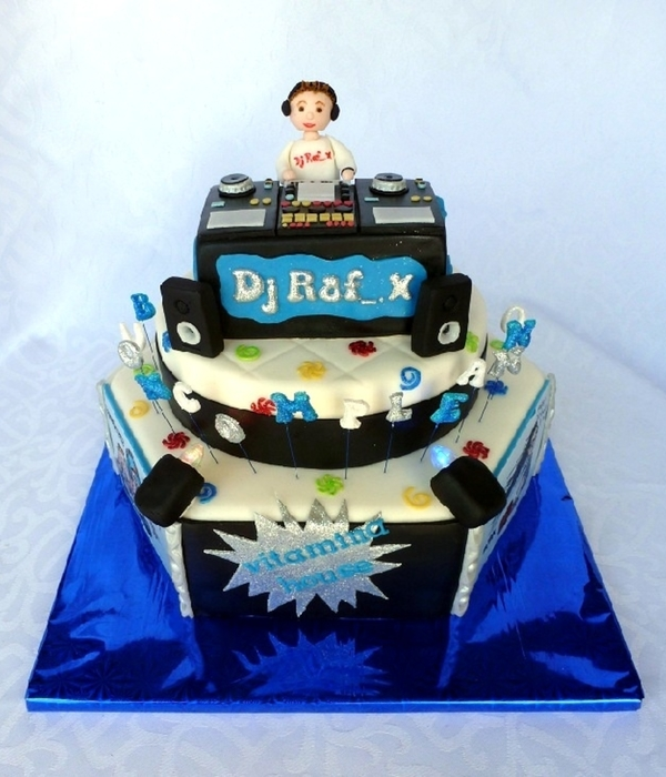 Dj Cake With Lights