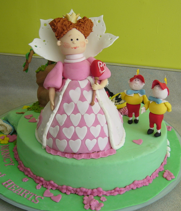 Coffee Cake With Fondant And Gumpaste Figures The Queen Is...