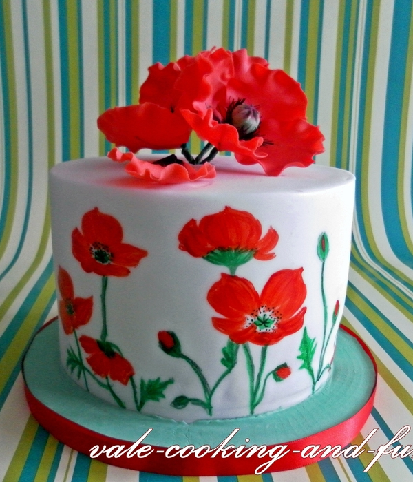 Poppy Cake And Cupcakes