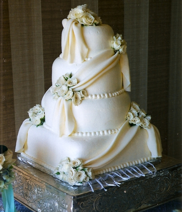 Buttercream Wedding Cake/white Chocolate Draping