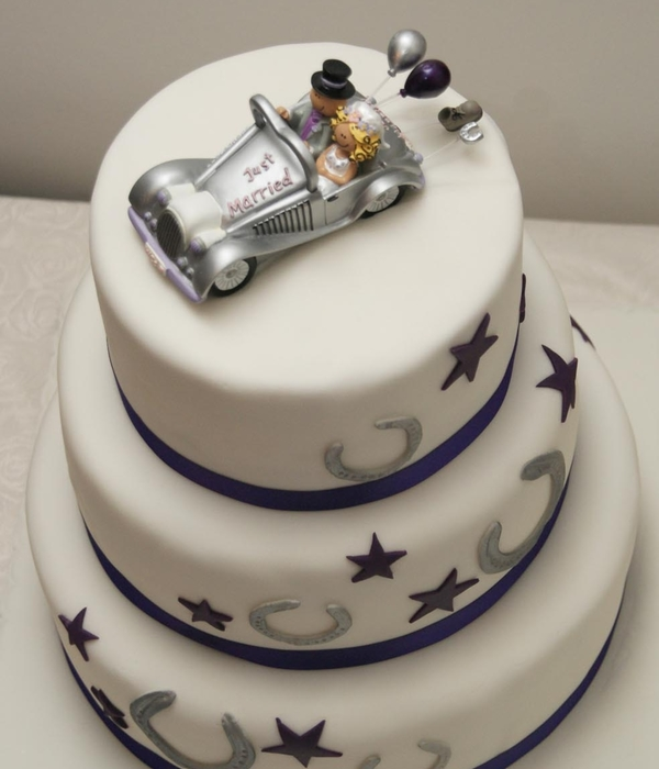 Lucky Horseshoe And Purple Star Wedding Cake
