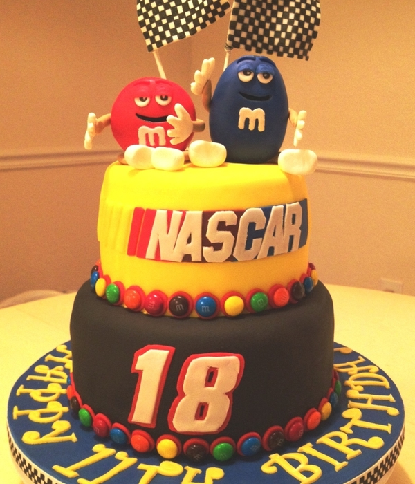 Nascar Cake Decorating Photos