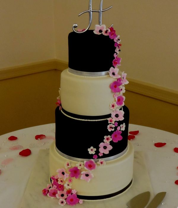 Black And White Wedding Cake With Gumpaste Sugar Flowers