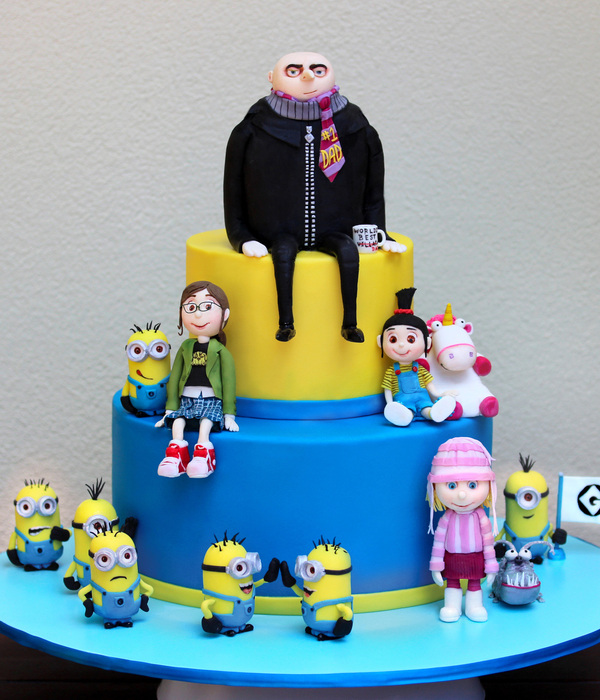 Finally I Have Something To Show For Myself My Despicable Me Cake For My 4 Year Old Son Liam I Cant Tell You How Much I Enjoyed Making Th