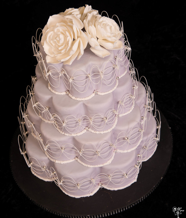Petal Shaped Wedding Cake Succulent Flowers Top An Oriental Stringwork Inspired Cake This Won 3Rd Place In Wedding Beginners At That Takes...