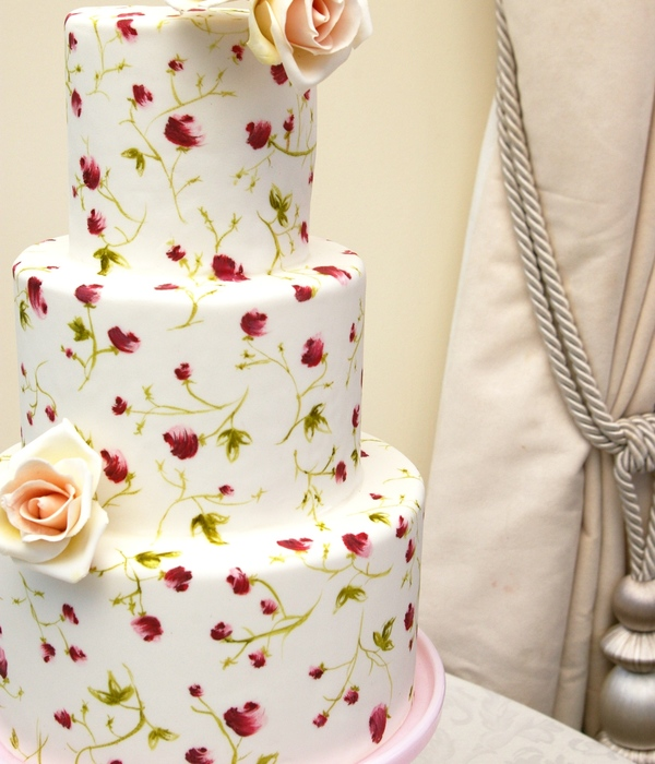 Tiered Painted Roses Cake 012