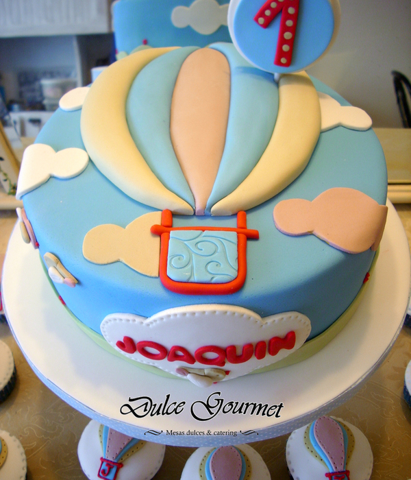 Hot Air Baloon Cake And Cupcakes For Joaquin´s First Bithday