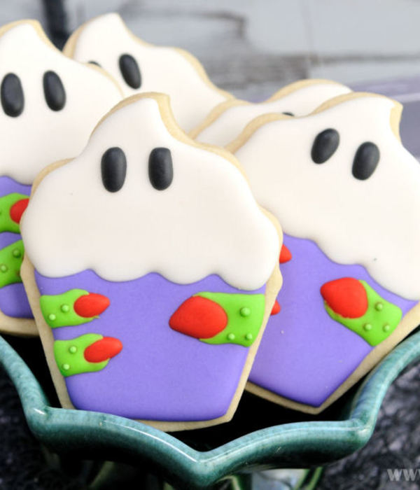Cupcake Witch Cookies