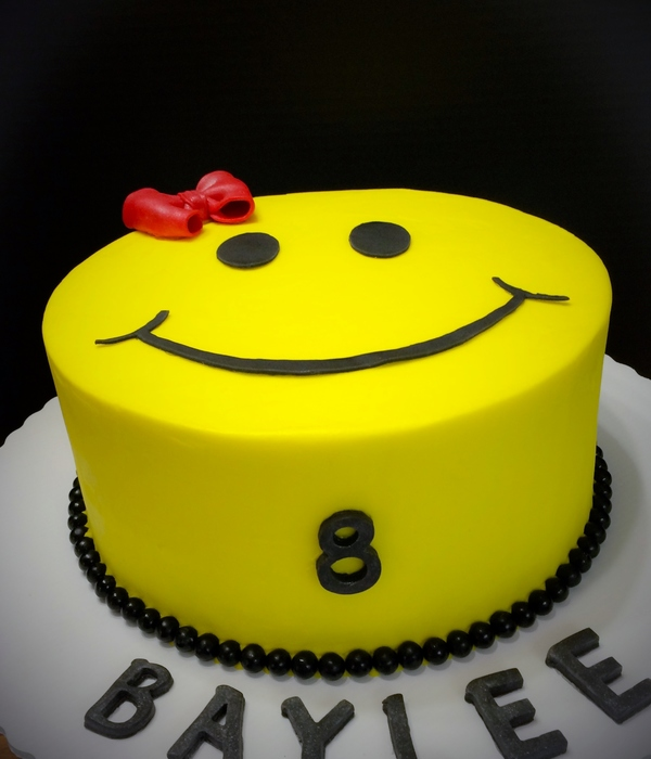 Smiley Face Birthday Cake
