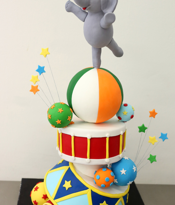 I Had So Much Fun Making This Topsy Turvy Circus Themed Cake For My Sons 3Rd Birthday I Created This Cake In A Workshop Held By Handi Cake...