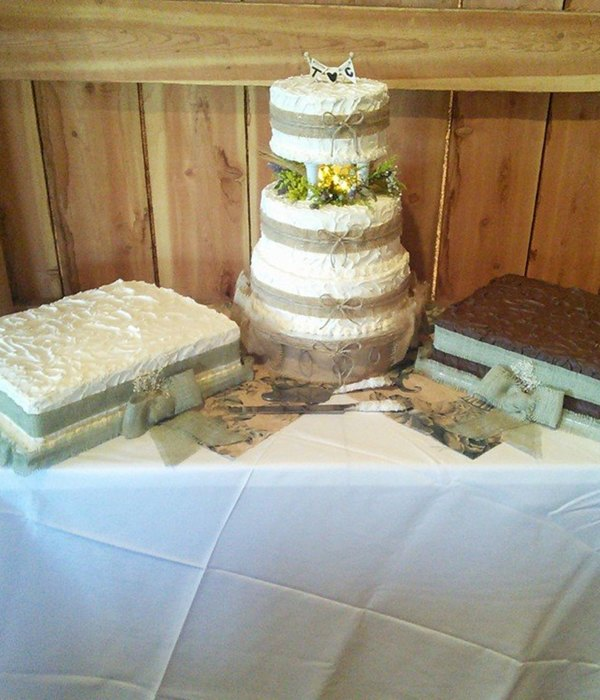 Rustic Wedding Themed Cakes