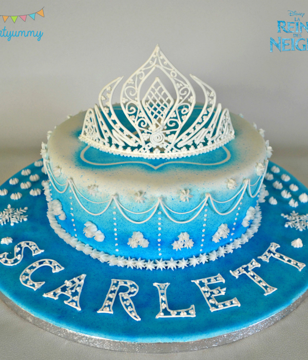 Video Tutorial For Tiara In Royal Icing Recipe And Steps Here Httppartyummycomcms201501Gateau Reine Des Neiges Glacage Royal Et