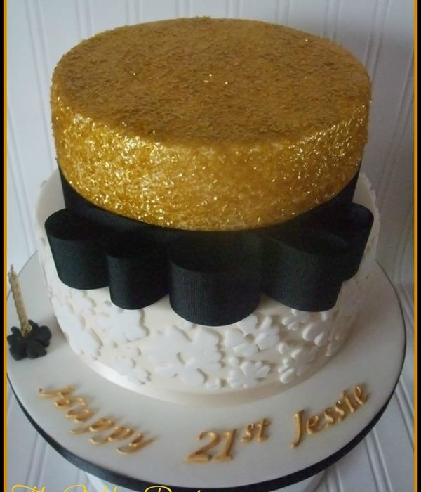 Black And Gold Sparkle Cake