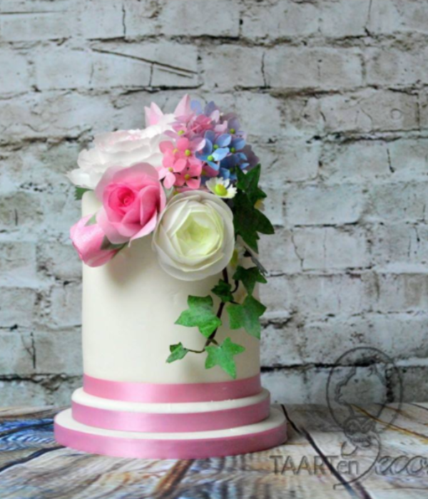 Cake With Wafer Paper Flowers