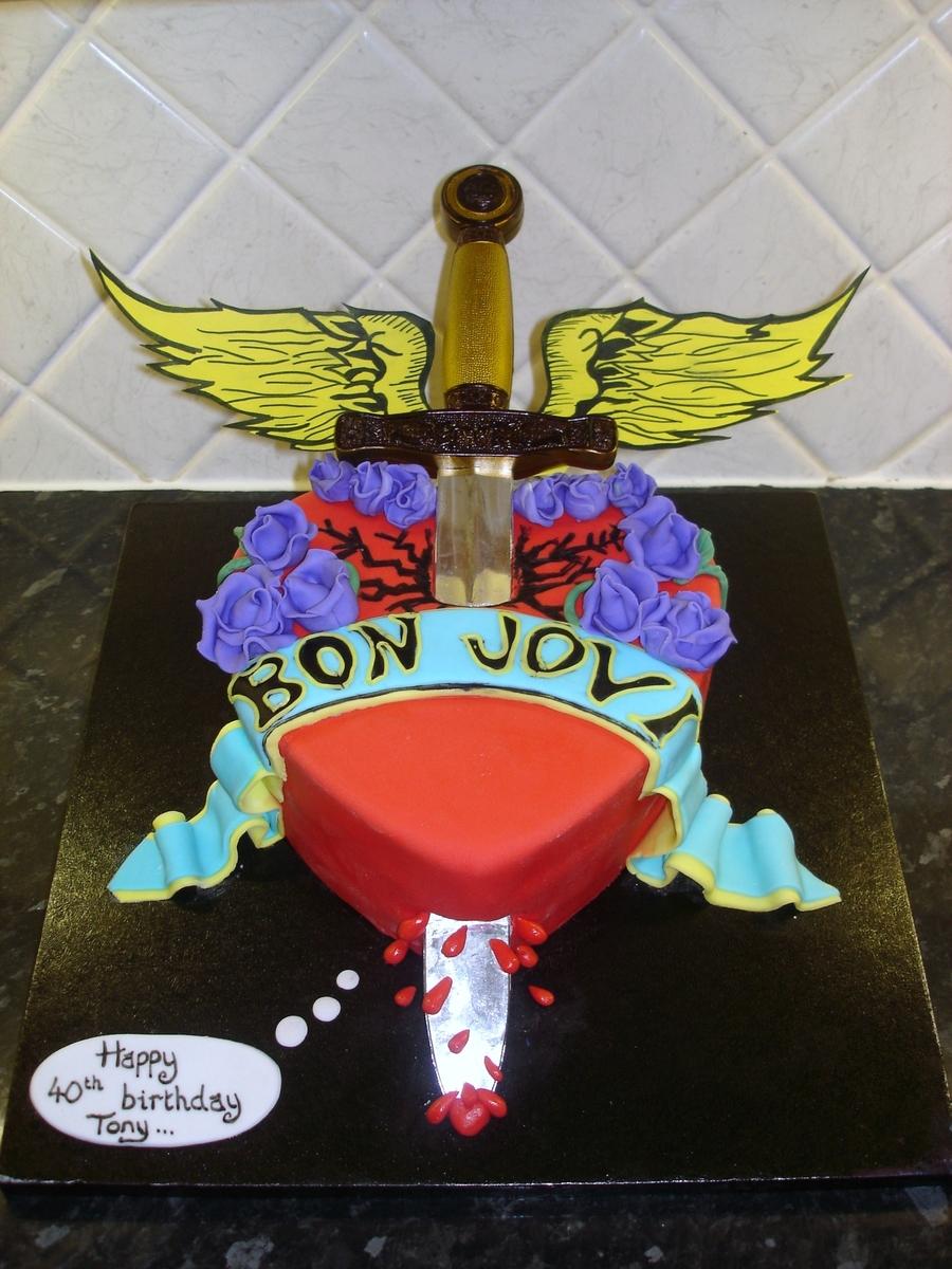 7644301uch_bon-jovi-heart-cake_900.jpg