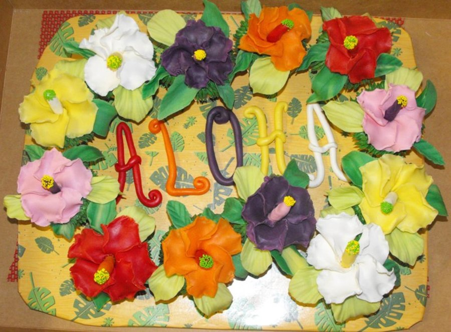 Aloha Cupcake Lei on Cake Central
