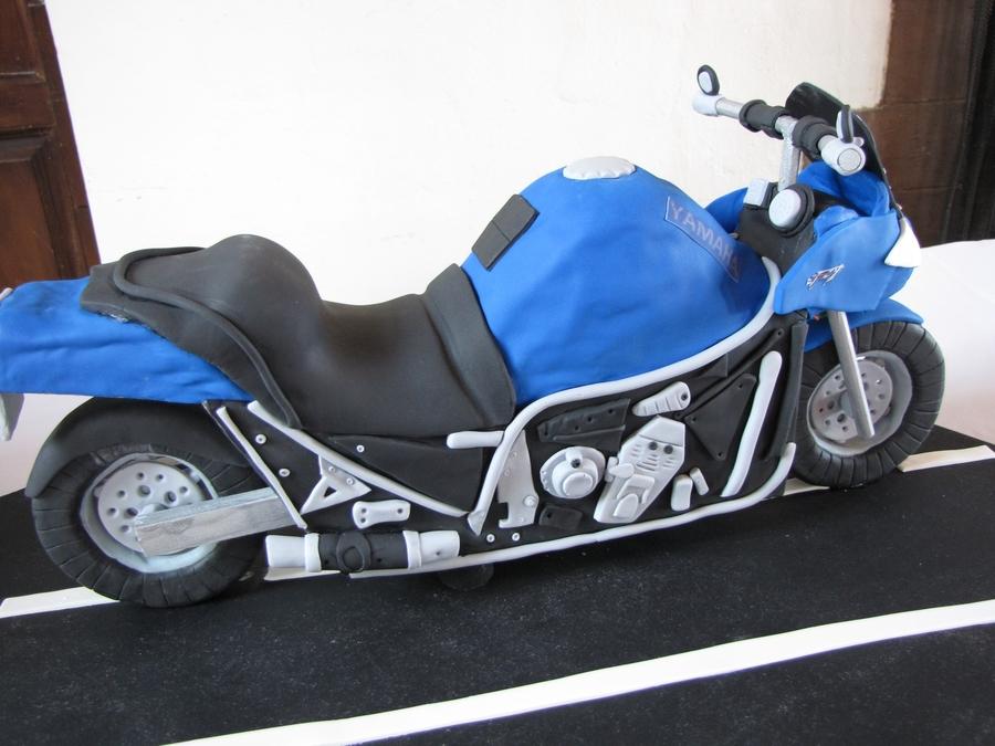 Yamaha Fz1 Motorcycle Cake
