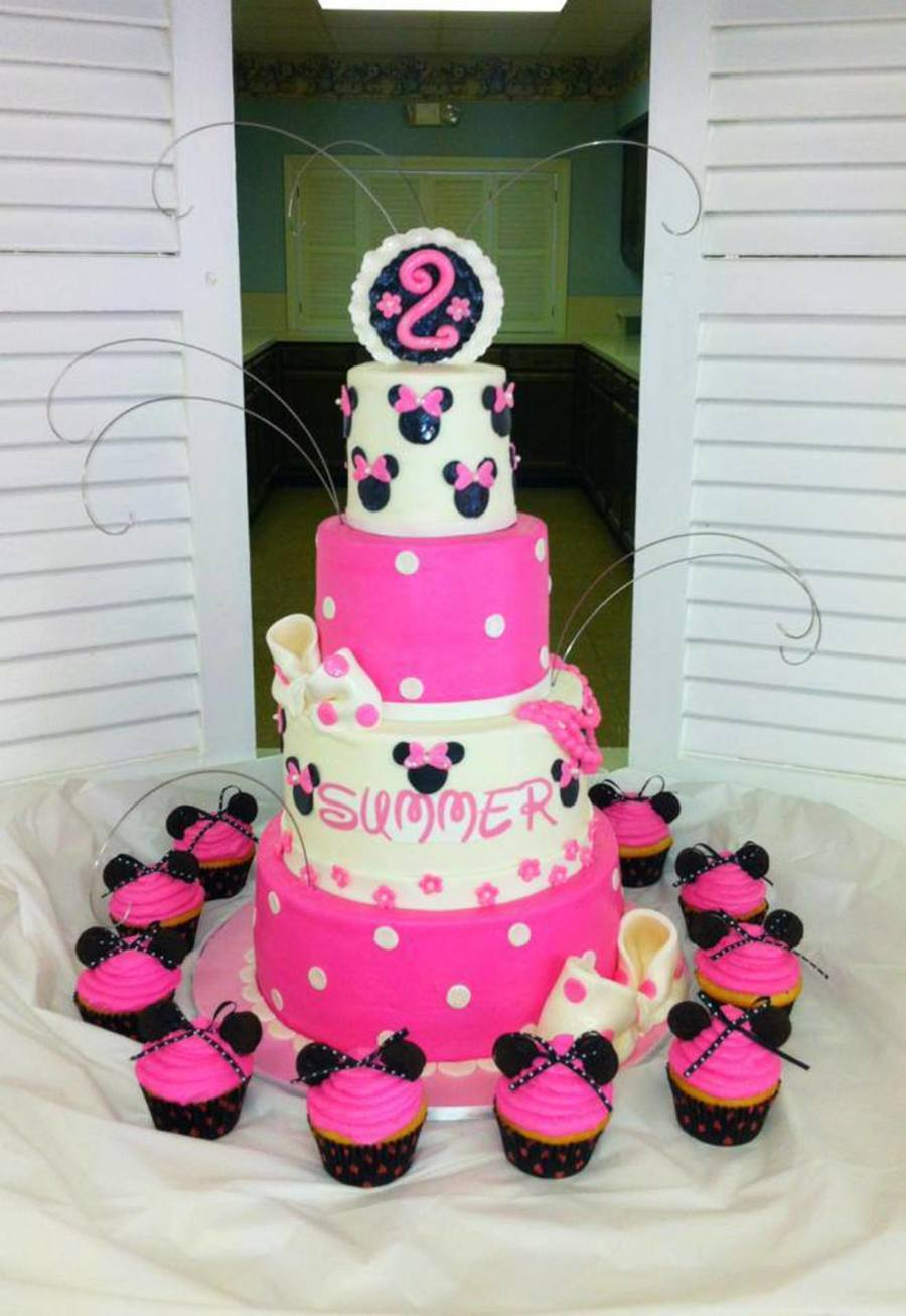 4 Tier Minnie Mouse Cake Sizes Are 468 And 10 Covered In