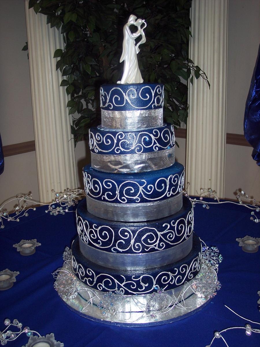 Strass Flowers Wedding Cake