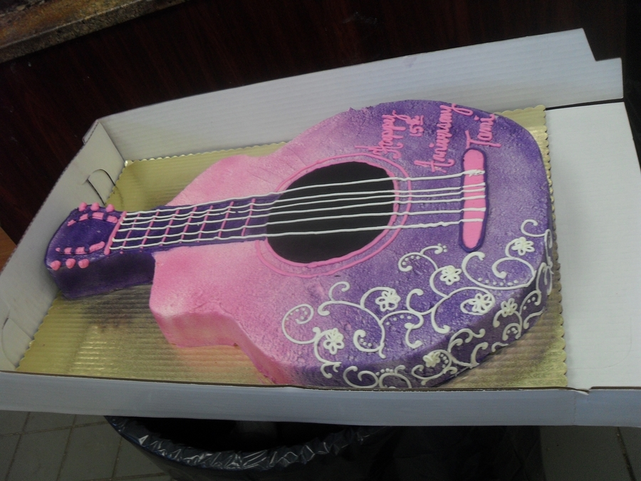 Guitar on Cake Central