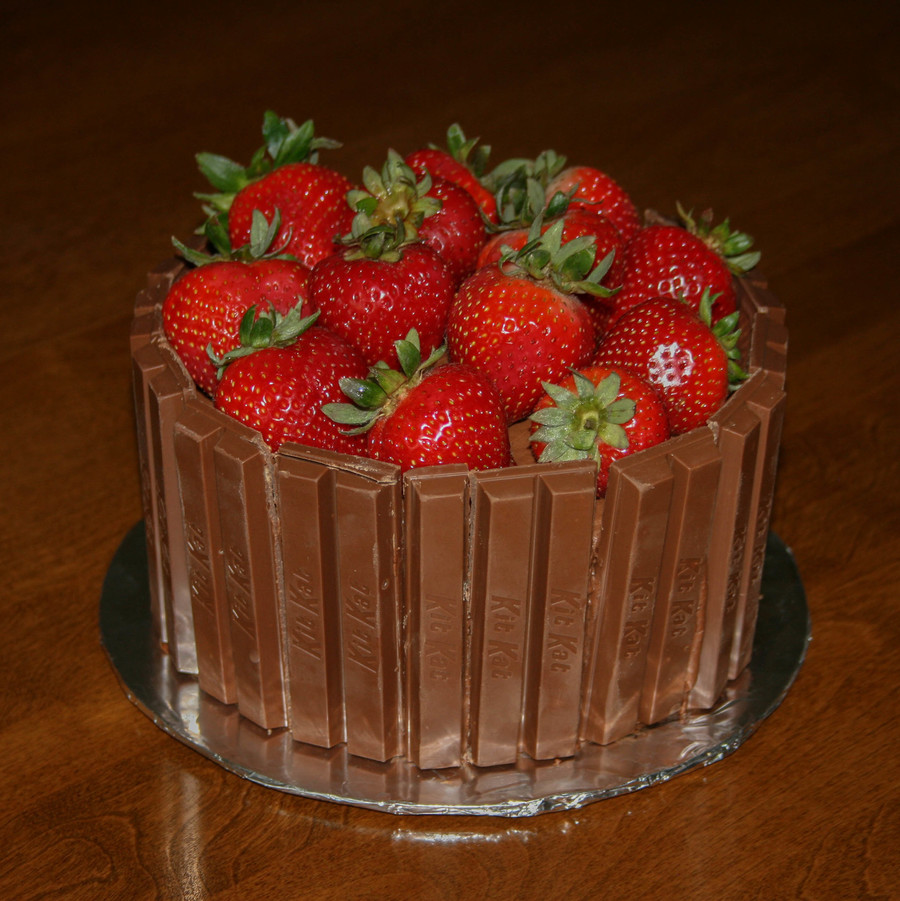 Strawberries And Kit Kat on Cake Central