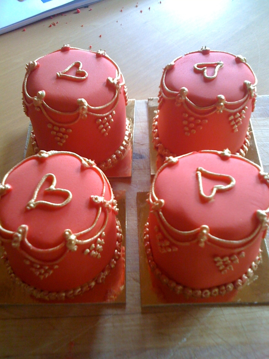 Minature Hearts on Cake Central