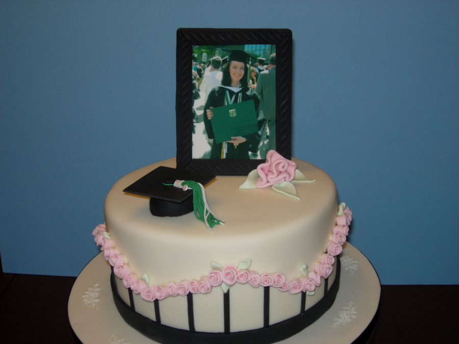 Kate's Graduation on Cake Central