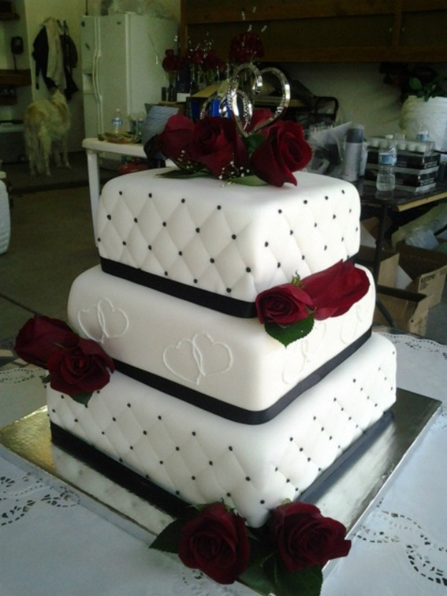 Black And White Fondant Cake Designs