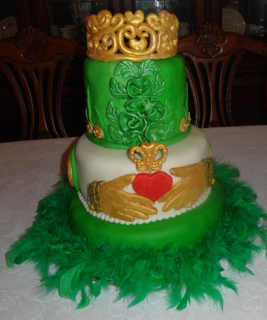 Stupendous Nancys 60Th Birthday With An Irish Touch Cakecentral Com Personalised Birthday Cards Veneteletsinfo