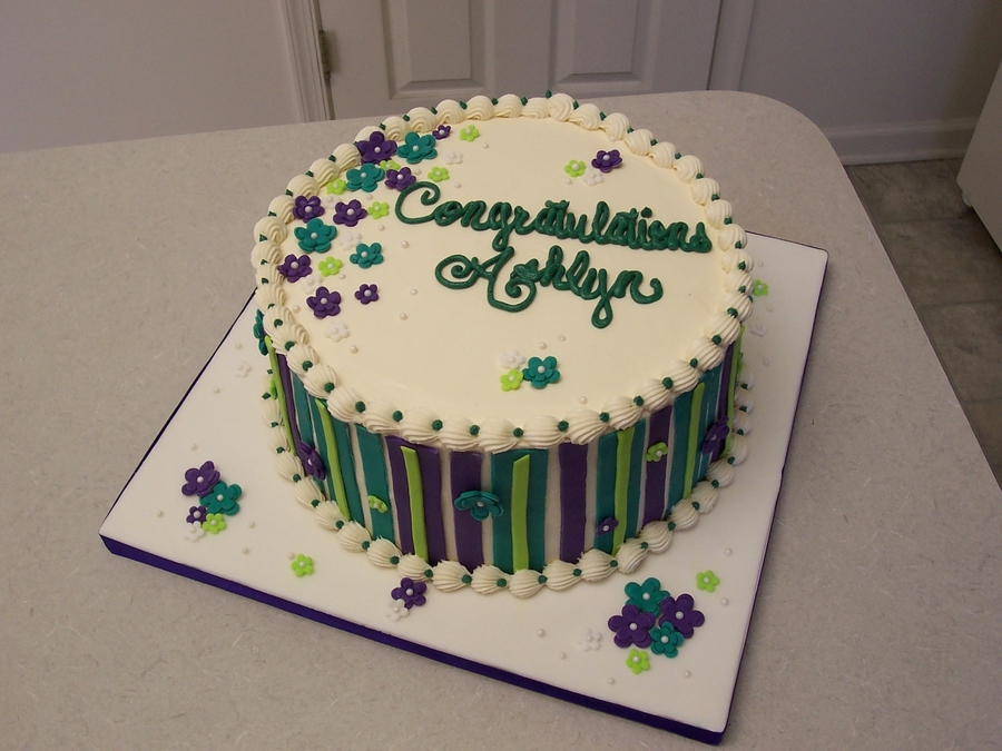 Ashlyn's Graduation on Cake Central