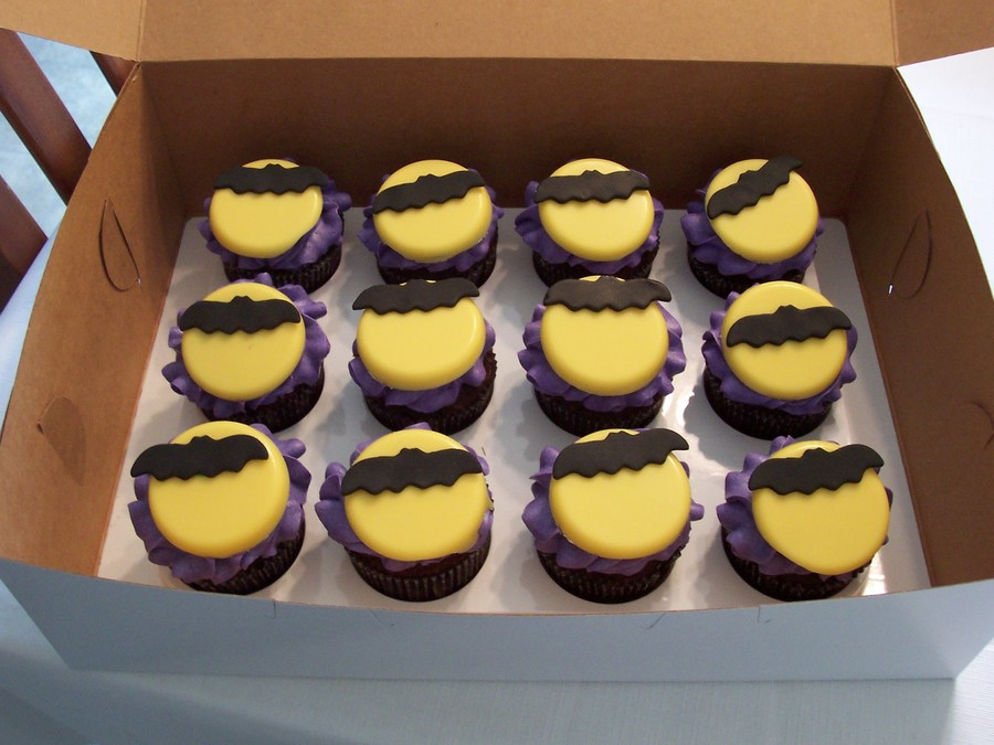 Bat And Moon Cupcakes  on Cake Central