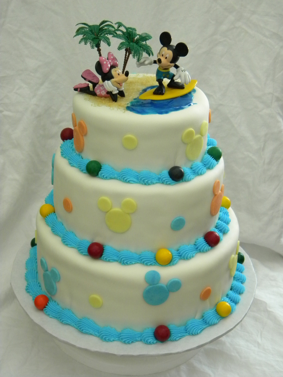 Mickey Mouse Surfing on Cake Central