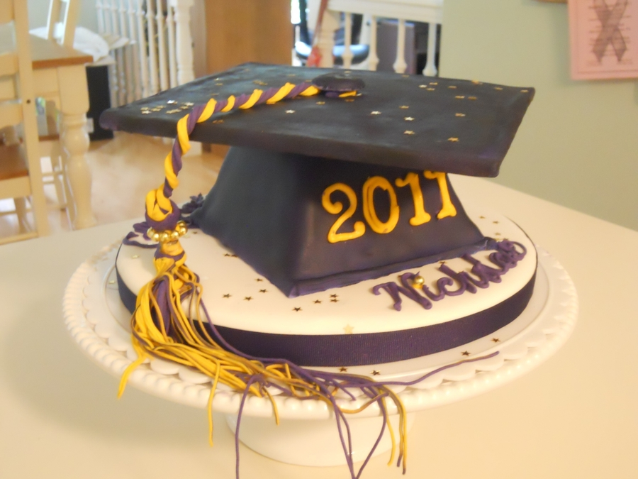 High School Grad on Cake Central