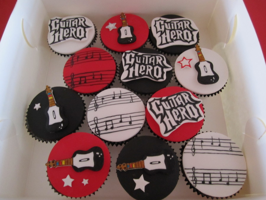 Guitar Hero Cupcakes on Cake Central