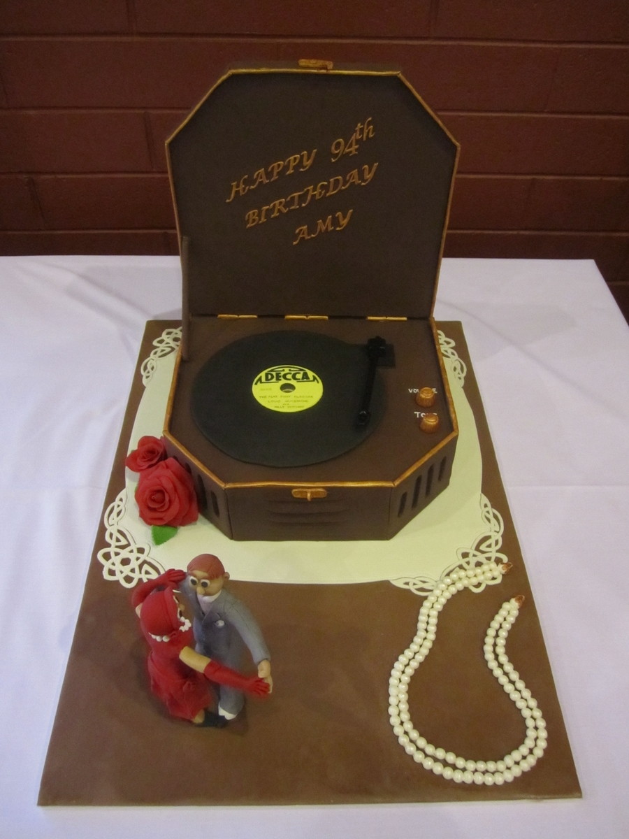 Record Player Cake 1930s Theme Cakecentral Com