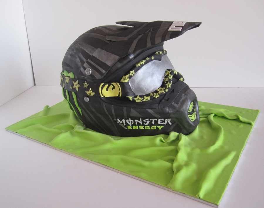 Helmet Cake Cakecentral Com