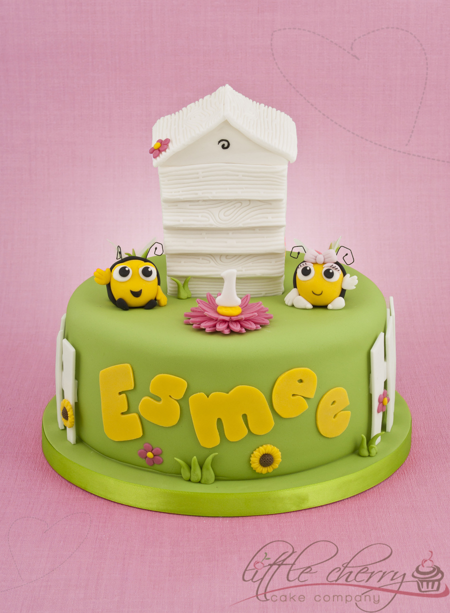 The Hive Cake  on Cake Central