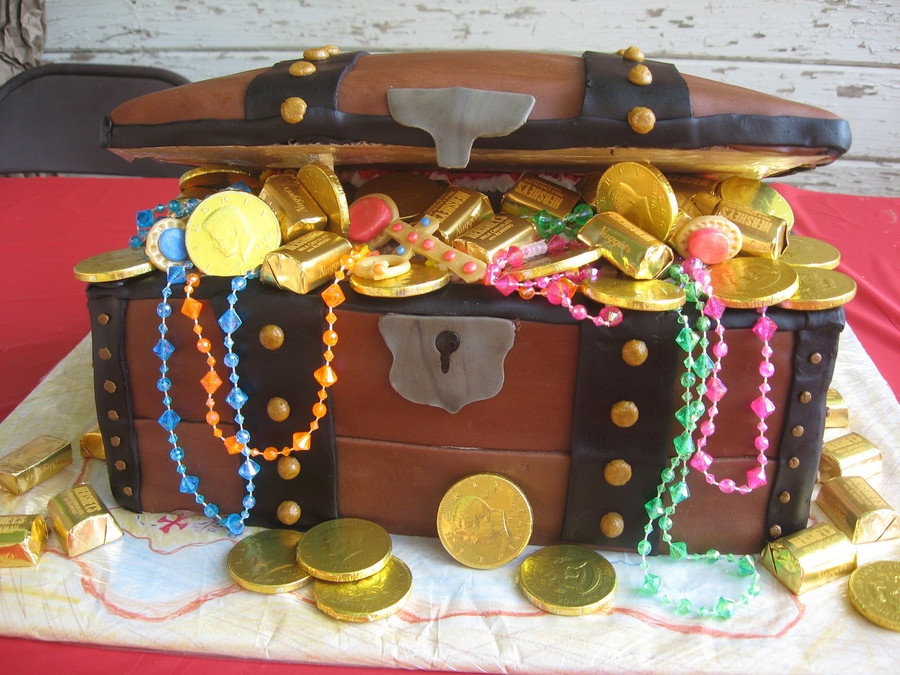 Jeremiah's Treasure Chest on Cake Central