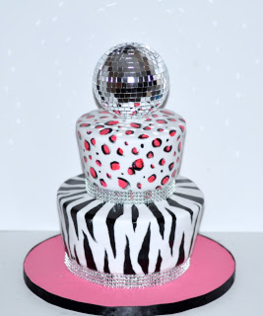 Birthday Cake Fit For A Dancing Queen Diva CakeCentralcom