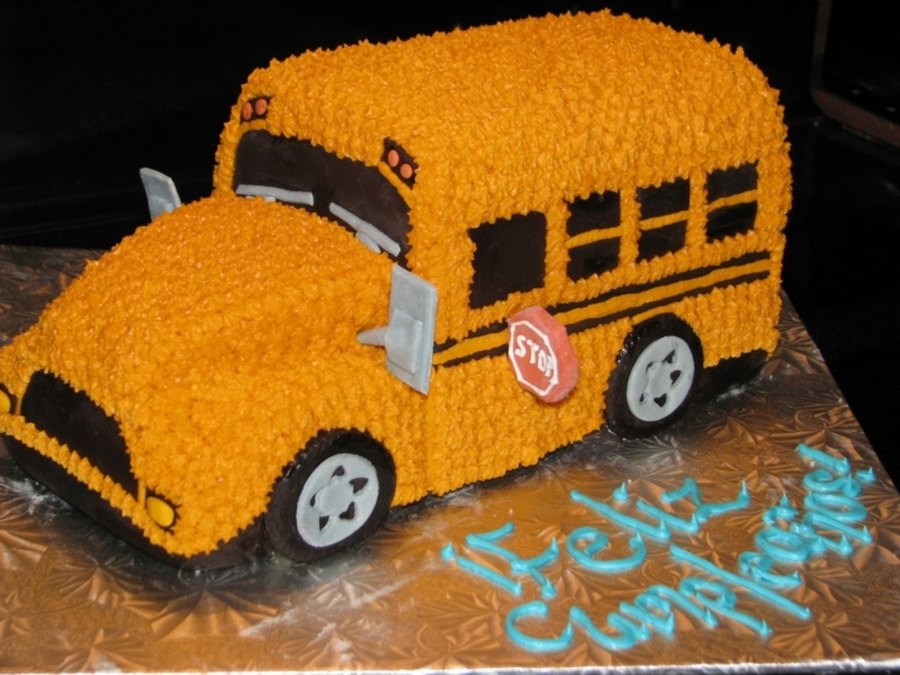 Big Yellow School Bus on Cake Central