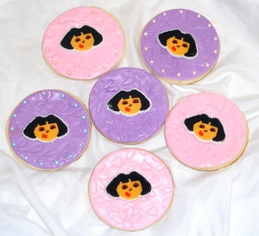 Dora Rounds on Cake Central
