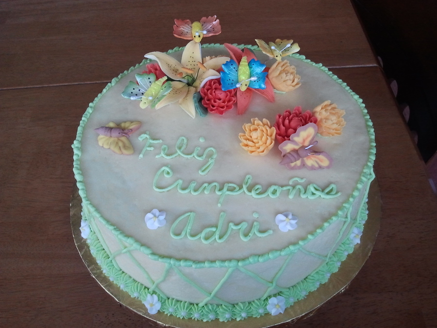 Almond Cake With Bavarian Cream Filling Buttercream Icing ...
