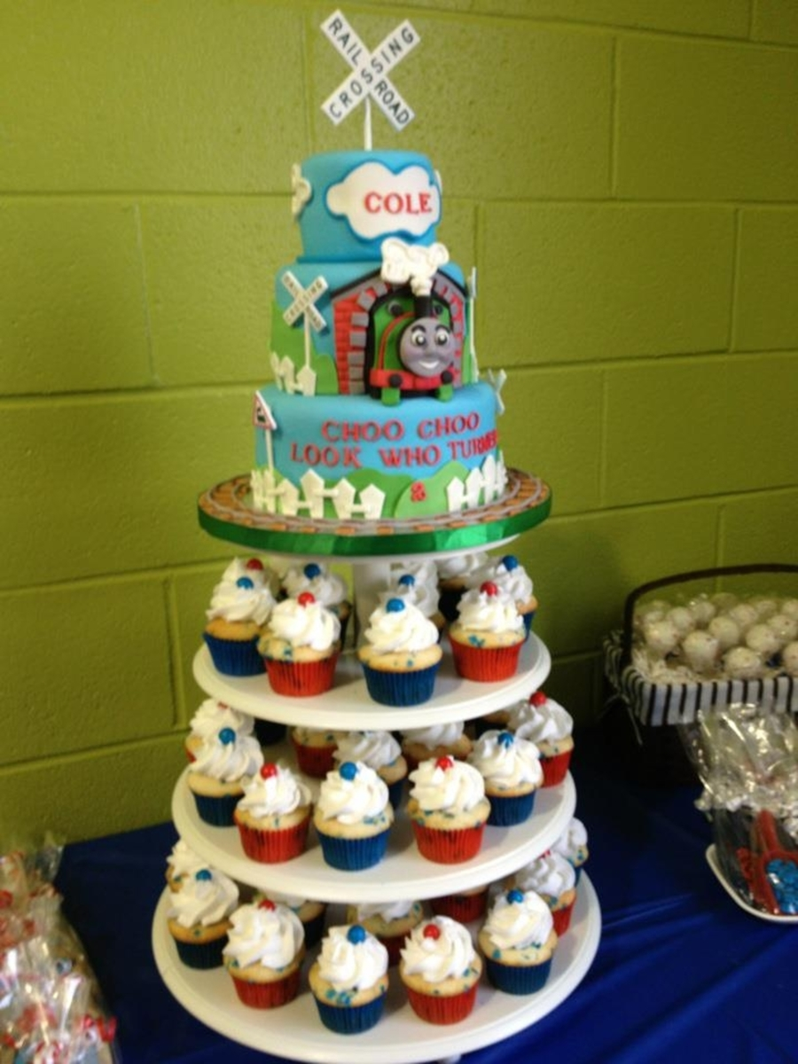 Thomas The Train Cake And Cupcakes Cakecentral Com