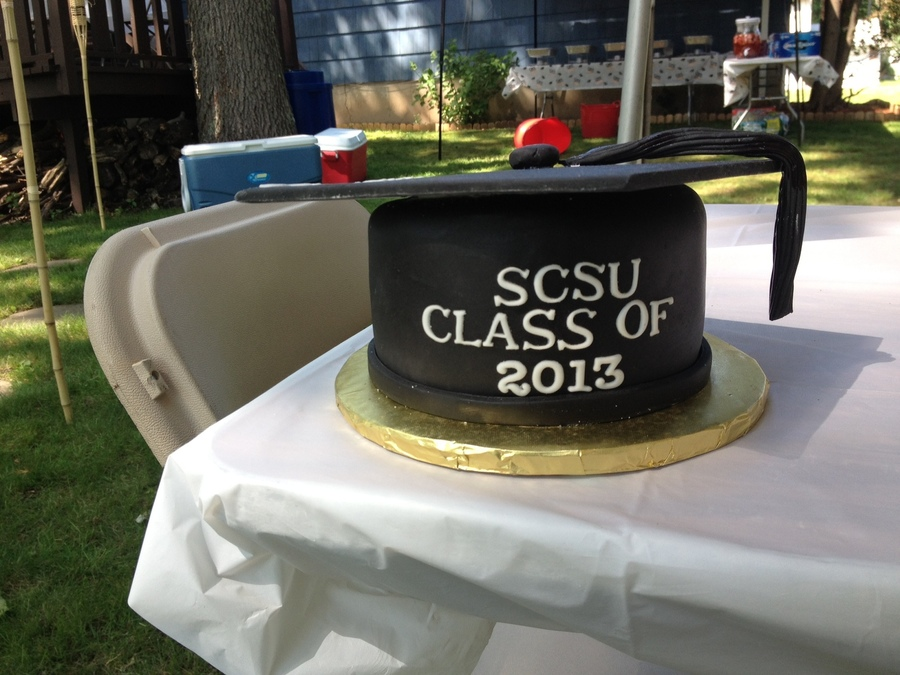 Graduation Cap on Cake Central
