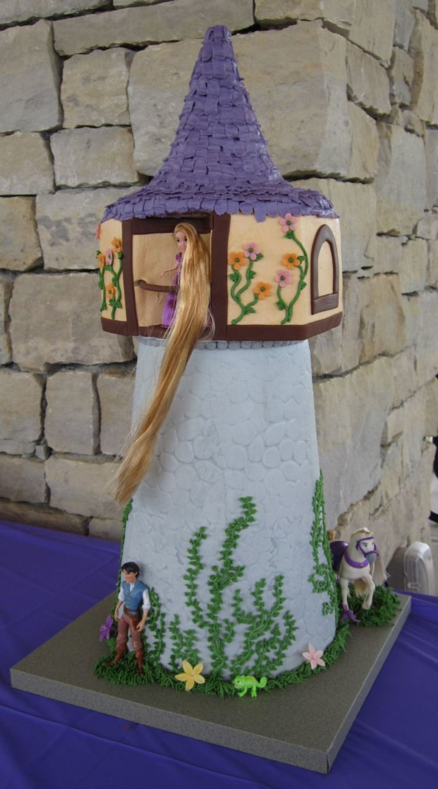 Tangled Theme on Cake Central