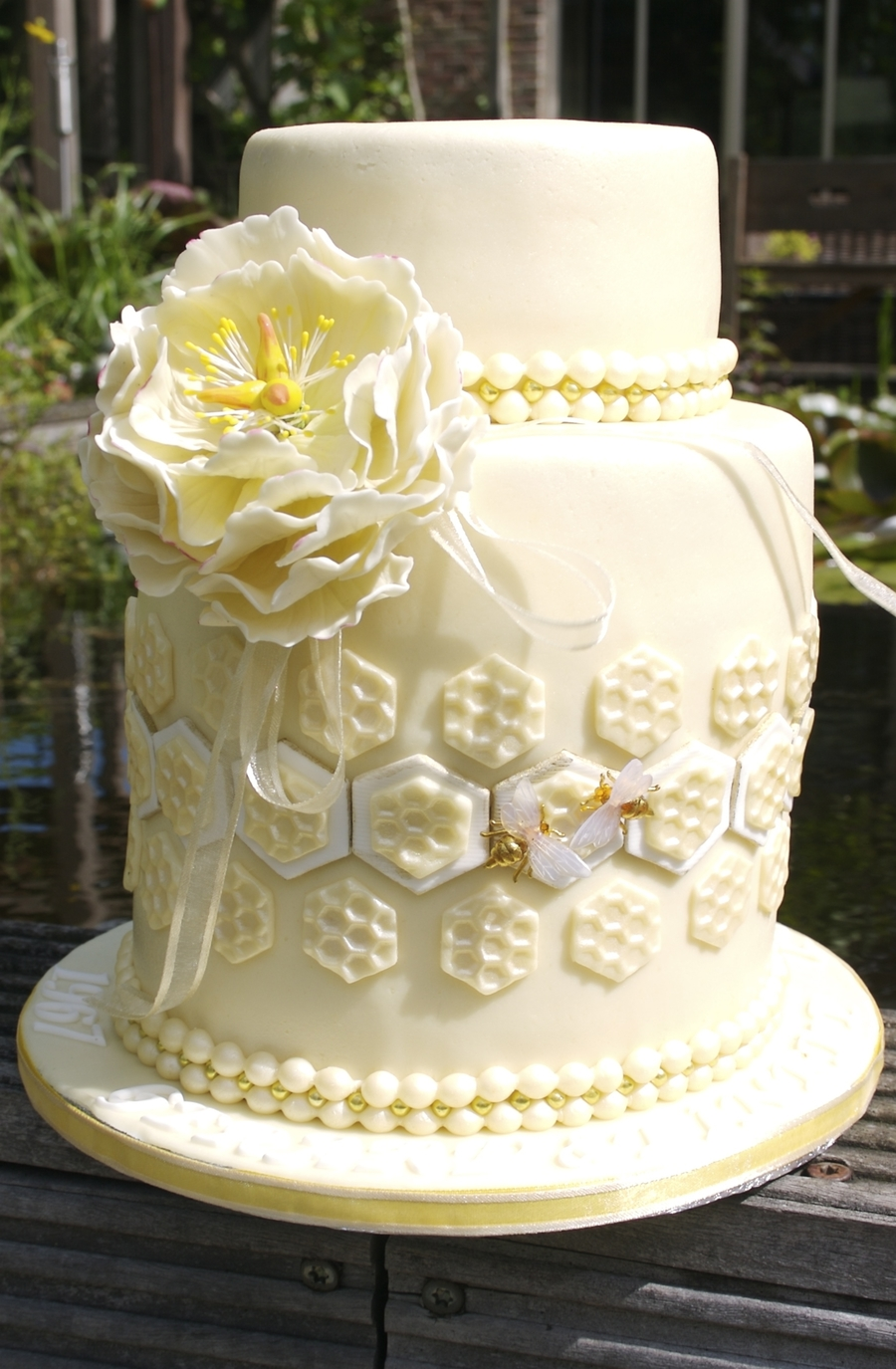 Bee In Love on Cake Central