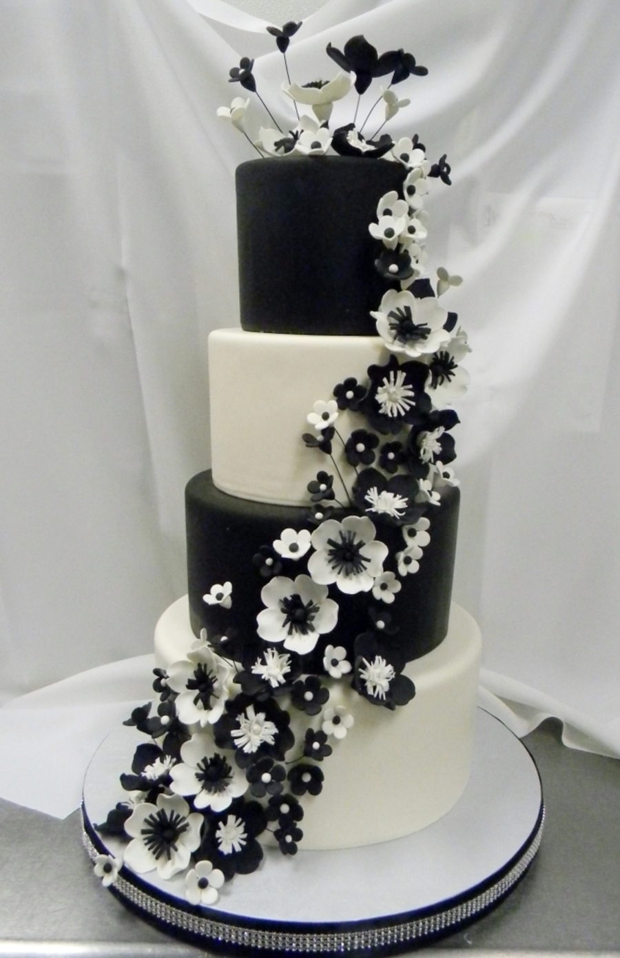 Black N White Cakecentral Com