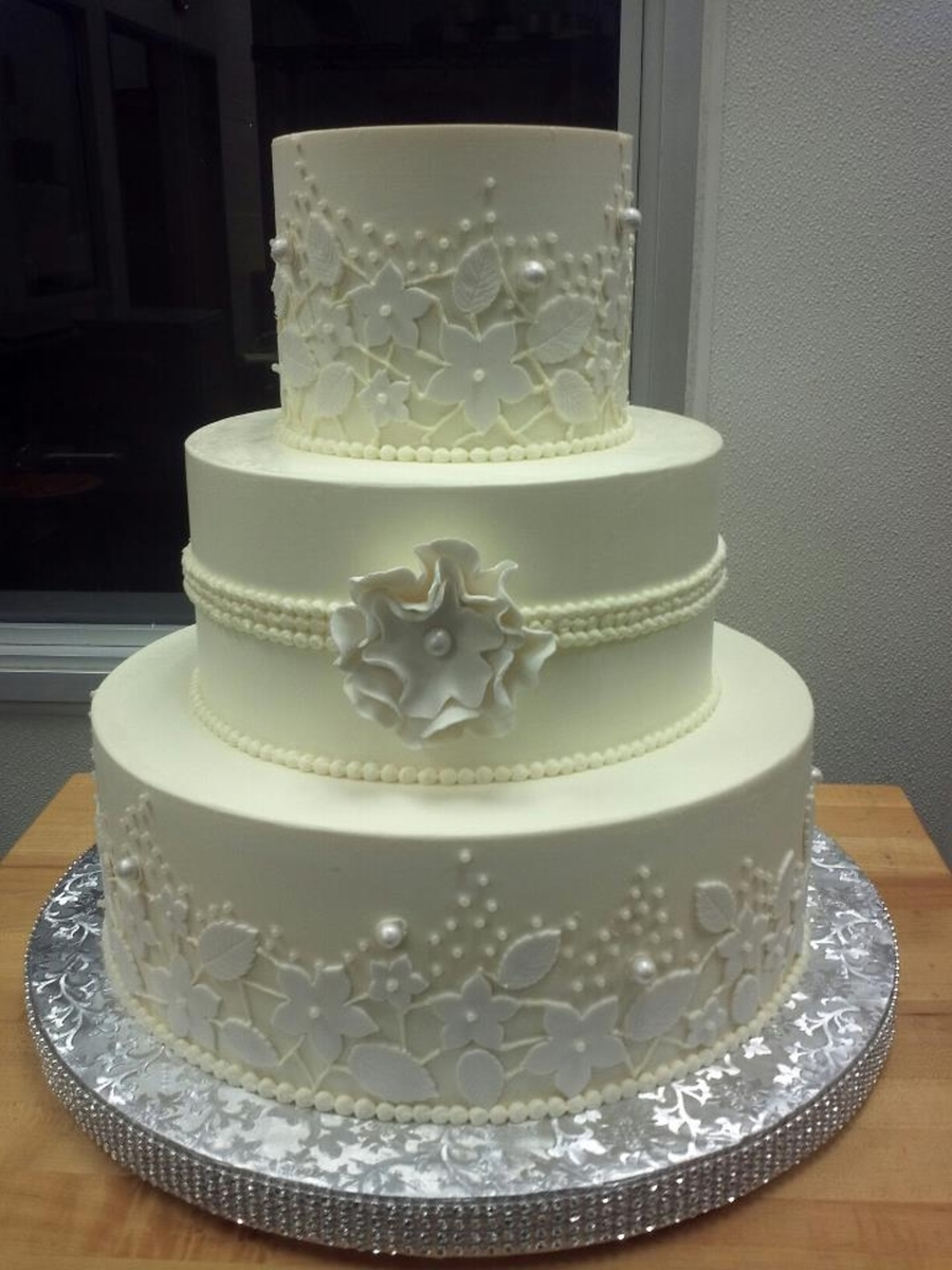 White Lace on Cake Central