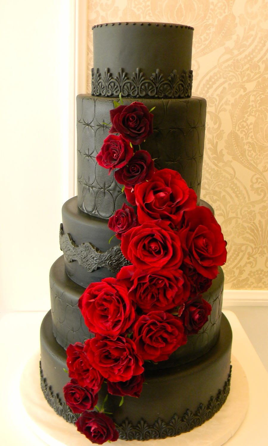 Black Magic Roses  on Cake Central